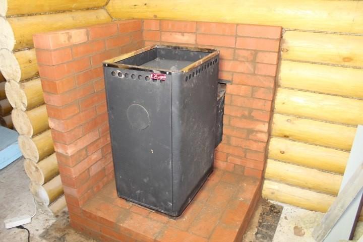Чем можно изолировать печь от деревянной стены?