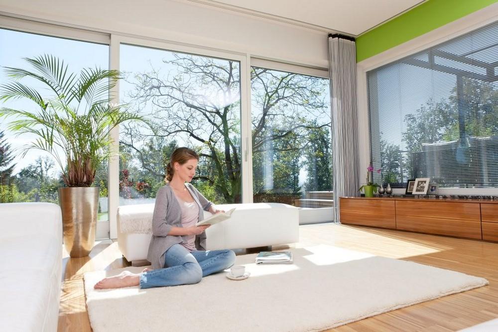 Когда лучше ставить пластиковые окна зимой или летом: выгоднее, дешевле