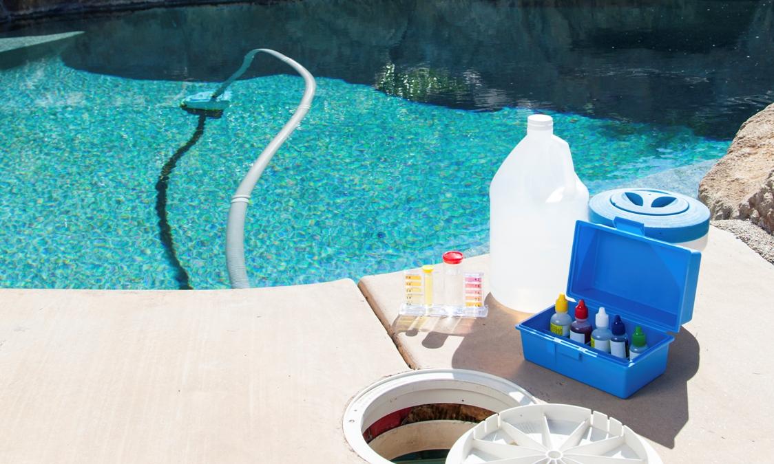 Как провести дезинфекцию воды в бассейне