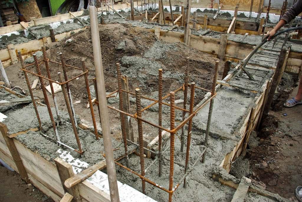 Какое количество времени должен стоять фундамент после заливки? сколько должен стоять фундамент перед постройкой дома