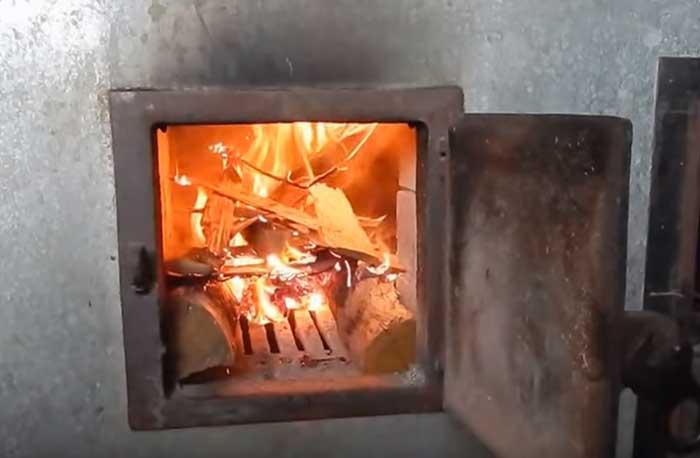 Как правильно топить баню дровами: все этапы от уборки парилки до разжигания печи
