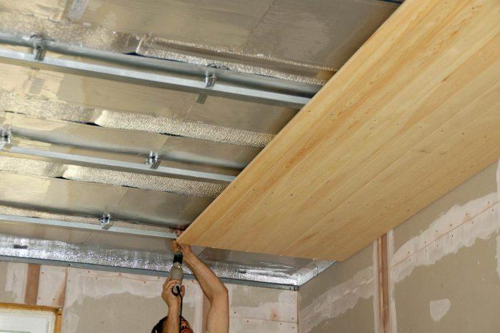 Как крепить вагонку к потолку - обшивка потолка вагонкой