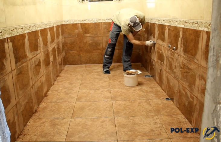 Как класть плитку на стену в бане