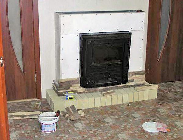 Жаростойкие материалы для отделки стен возле печи