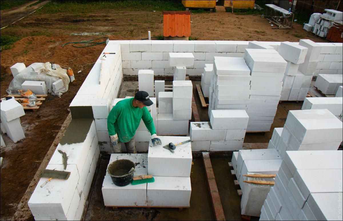 Строительство домов из пеноблоков – преимущества и недостатки