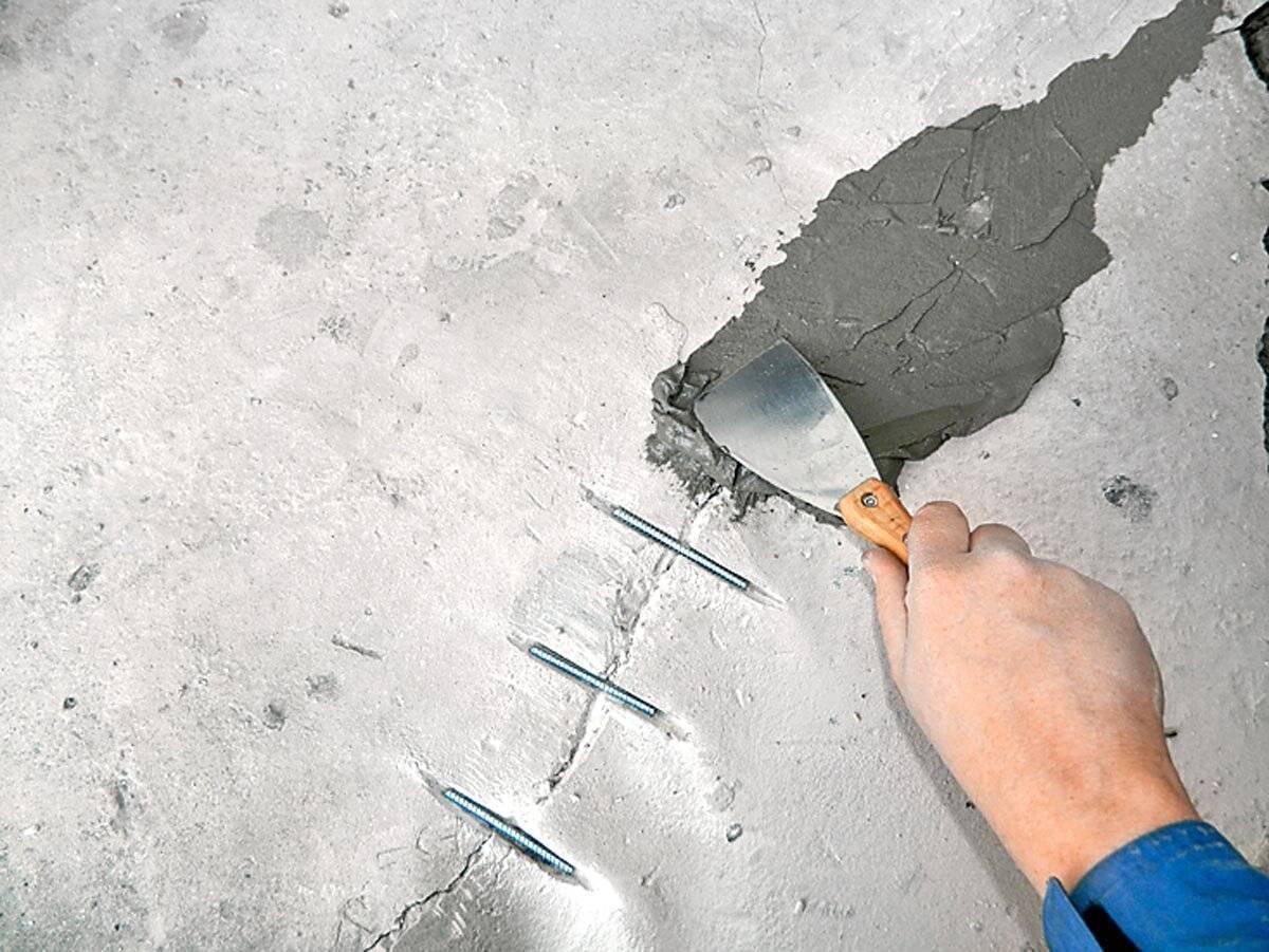 Ремонт трещин в стяжке пола: как это делается