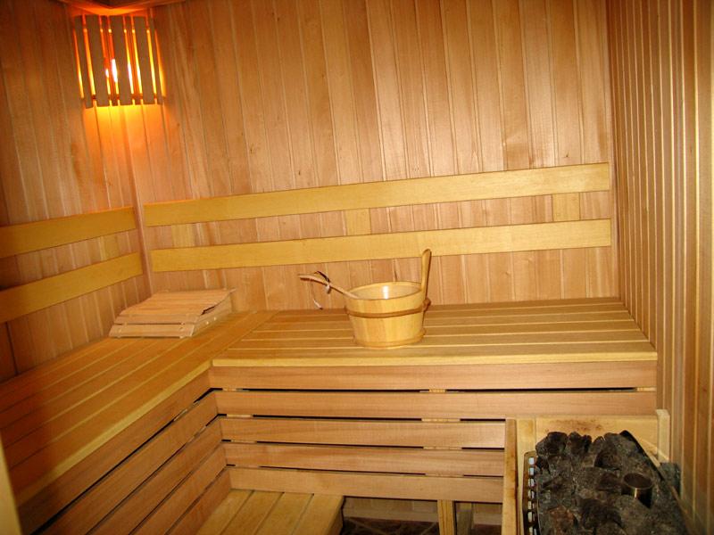 Обустроить баню в доме или поставить отдельно: преимущества, недостатки, целесообразность решений