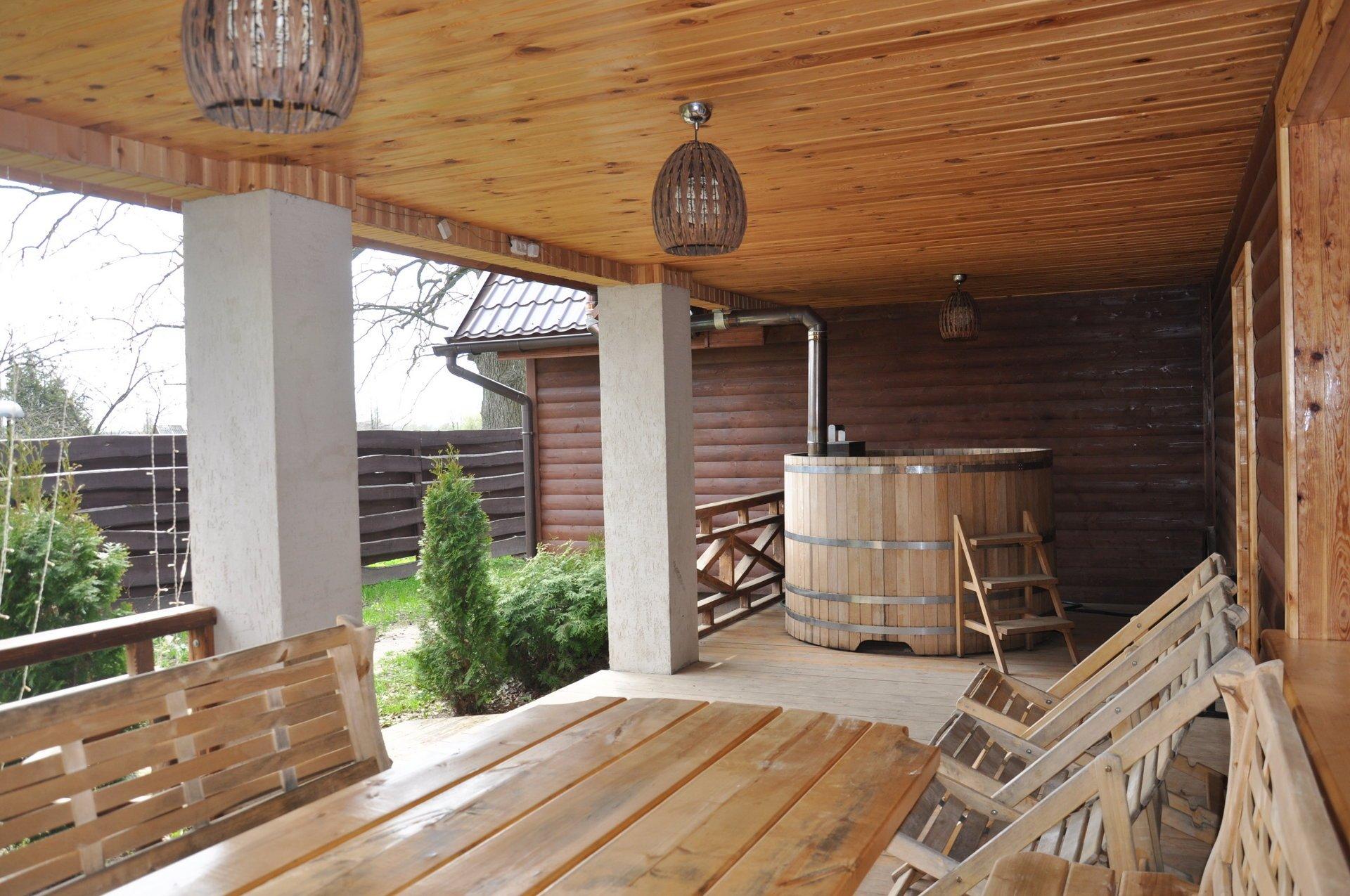 Лучшие проекты бани с террасой, комнатой отдыха и зоной барбекю | (40+ фото & видео)