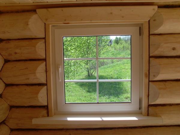 Какие установить окна в бане? Определяемся с размером, материалом и способом монтажа
