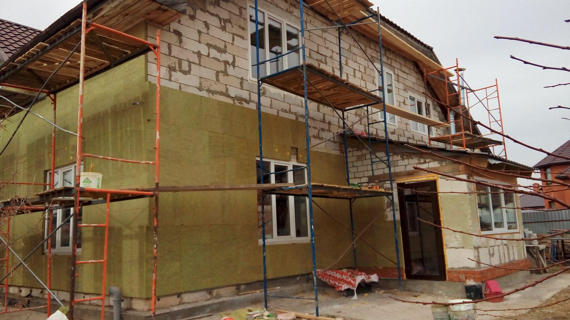 Отделка дома мокрый фасад или штукатурка по утеплителю