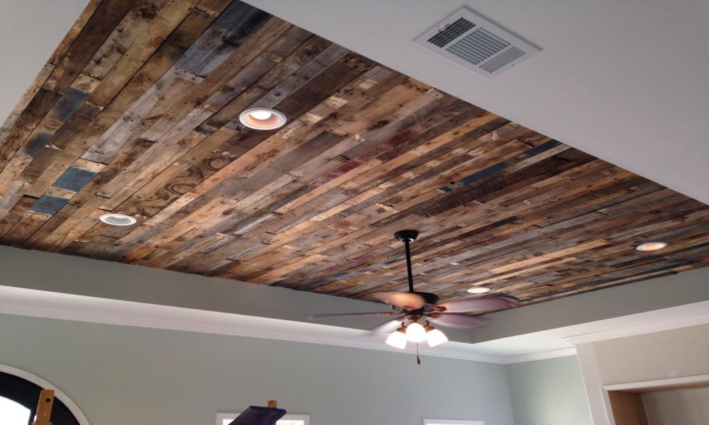 Сооружаем деревянный потолок своими руками