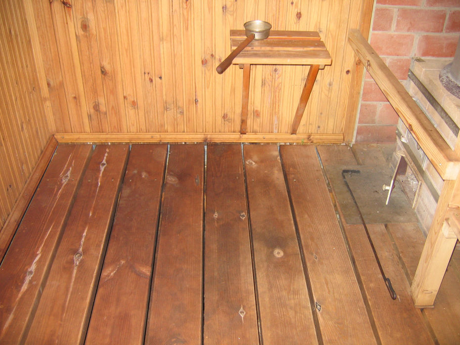Гидроизоляция пола в бане: бетонного, под плитку и под проливной, как сделать гидроизоляцию деревянного пола в помывочной, в парилке и др