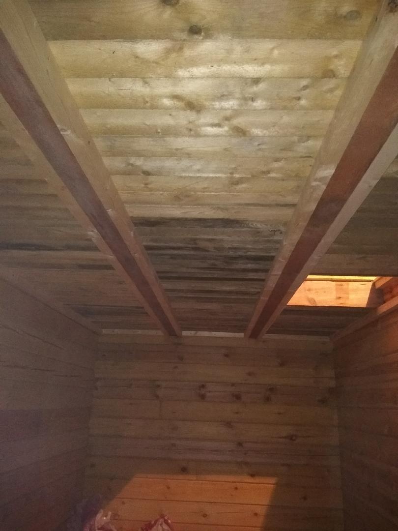 Как сделать потолок в бане из сруба?