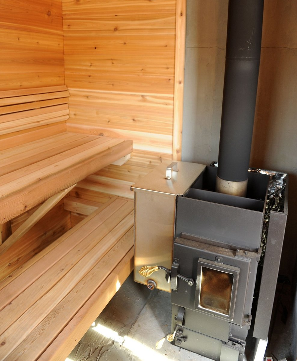 Установка печи в бане на деревянный пол: пошаговая инструкция