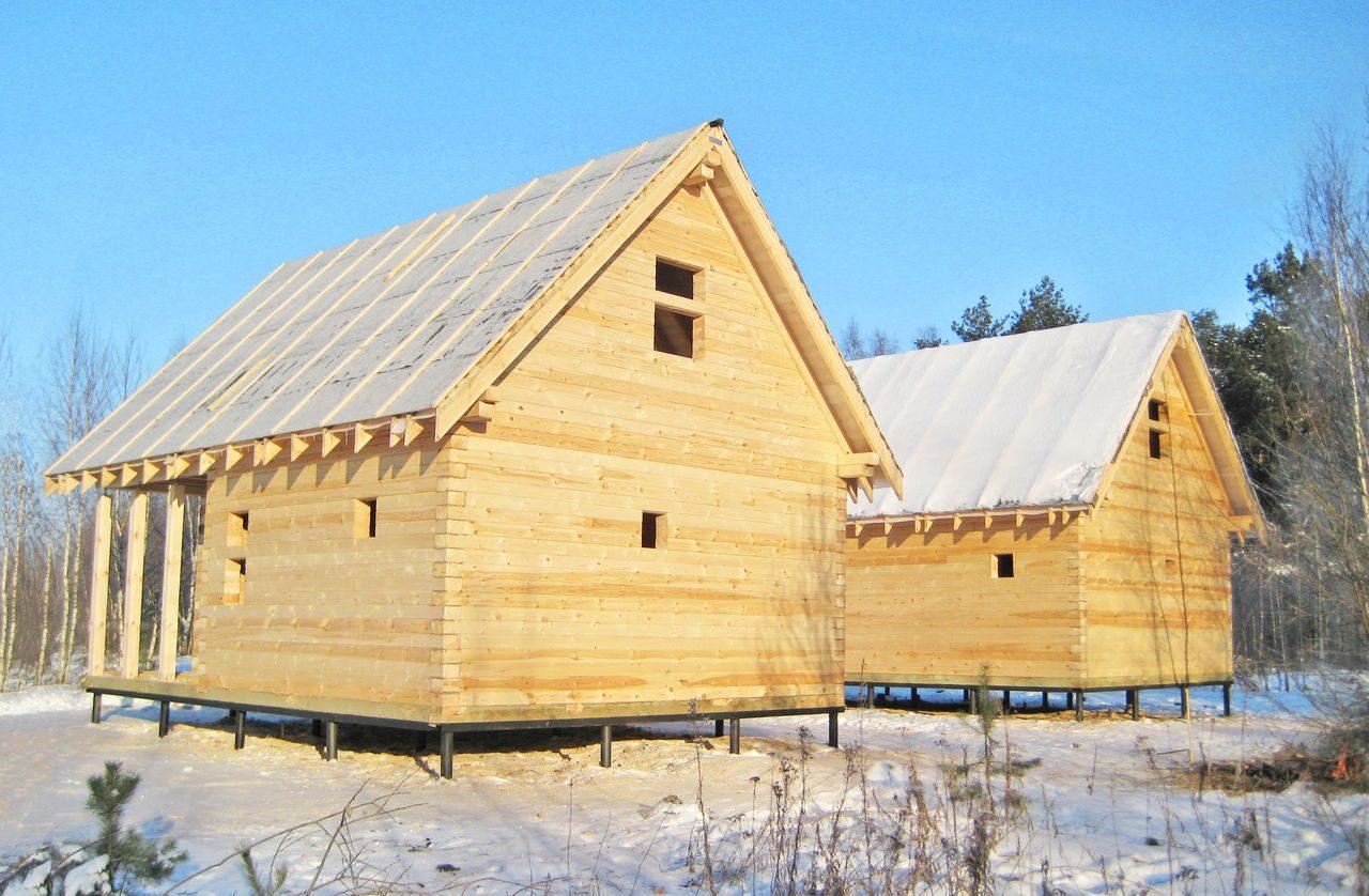 Строить дом зимой: плюсы и минусы. положительные стороны строительства дома из бруса в зимний период.