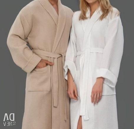 Вафельные халаты для бани и сауны: красиво удобно практично