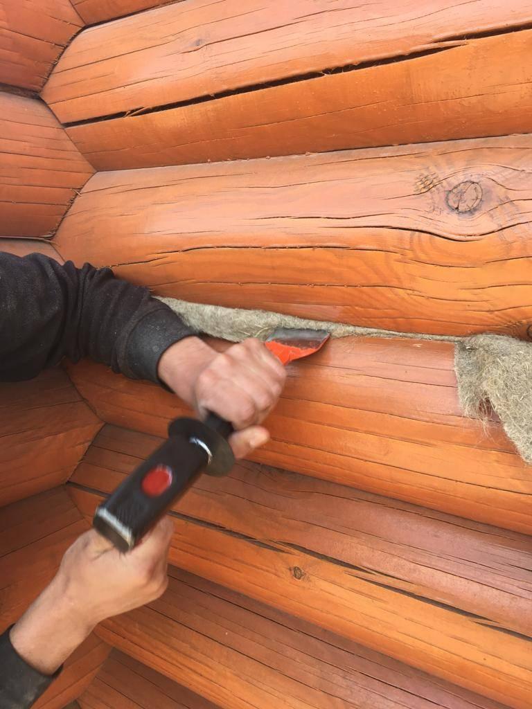 Как конопатить сруб: мхом, паклей, лентой и герметиками