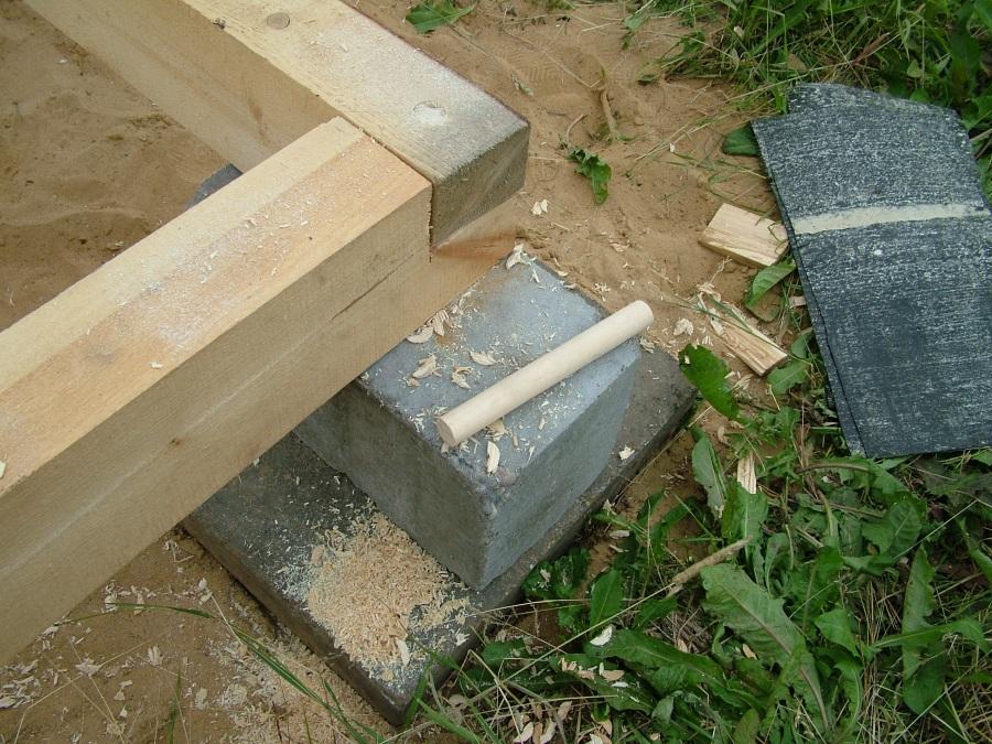 Как поставить сруб на фундамент