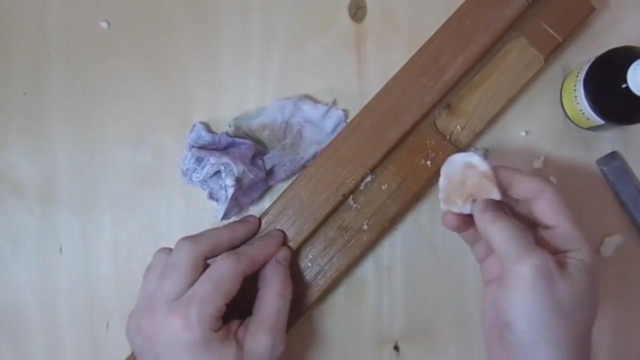 Чем отмыть монтажную пену с рук?