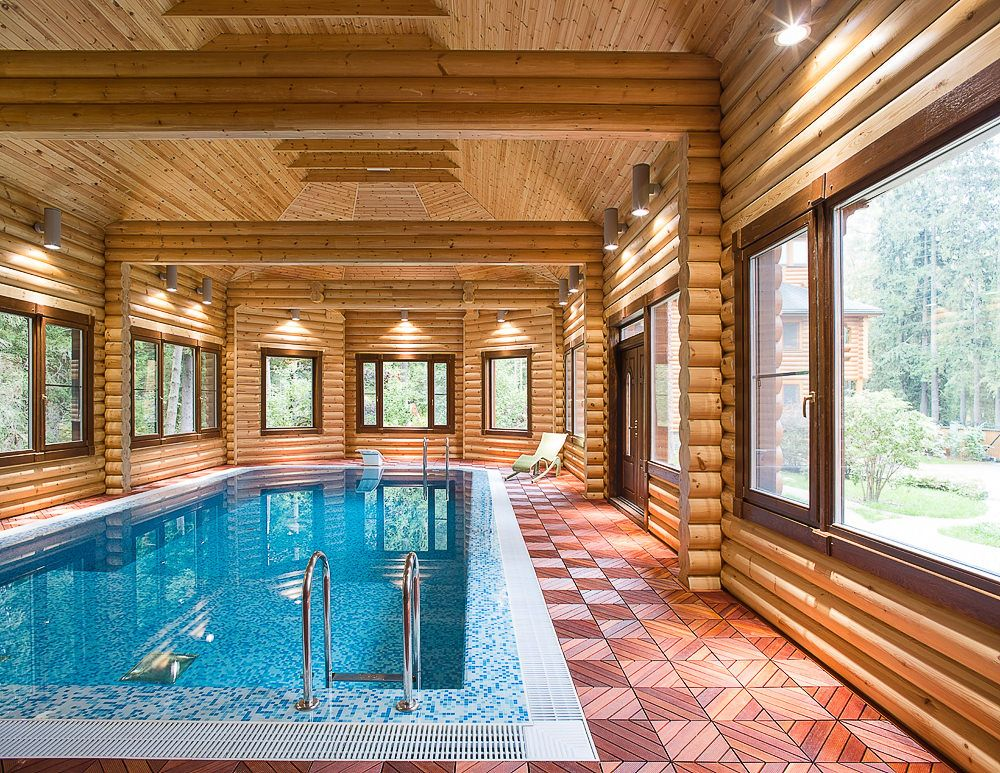 Баня с бассейном из кирпича