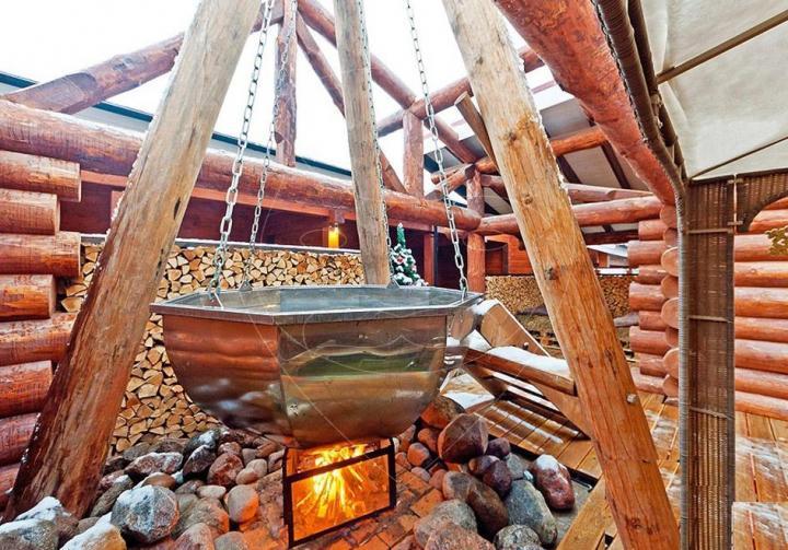 Банные чаны (31 фото): сибирский молодильный для купания на дровах на улице, японские чугунные чаны под открытым небом и другие варианты. их польза и вред