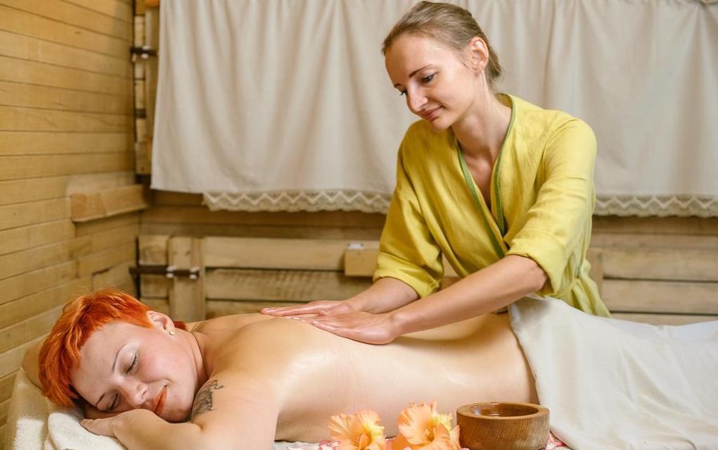 Самомассаж в условиях бани. большой справочник по массажу