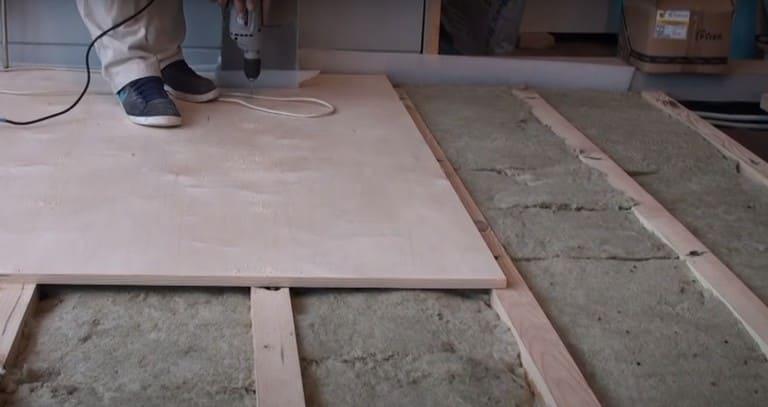 Как проводится выравнивание пола фанерой: пошаговая инструкция