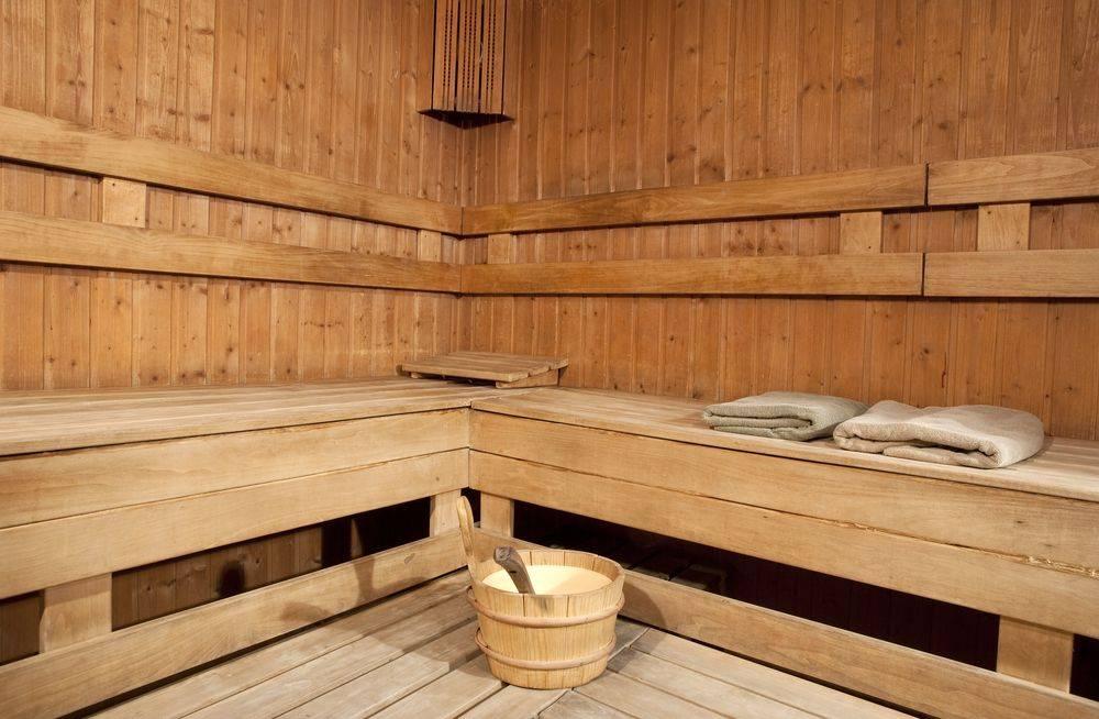 Чем лучше всего обработать баню из бруса внутри и снаружи – обзор средств