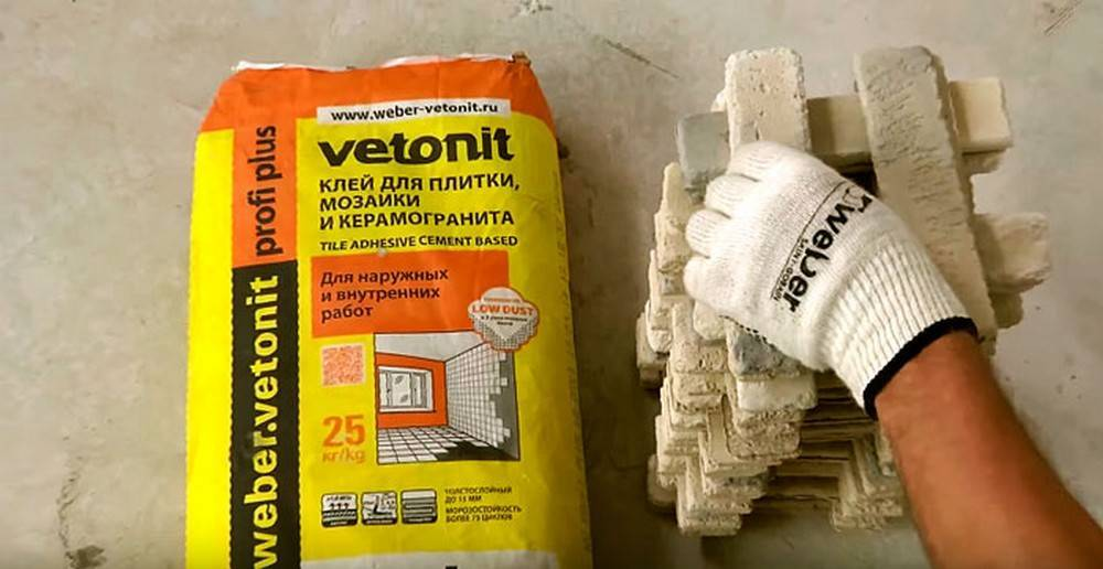 Как наносить клей для укладки плитки | мастремонт.ру