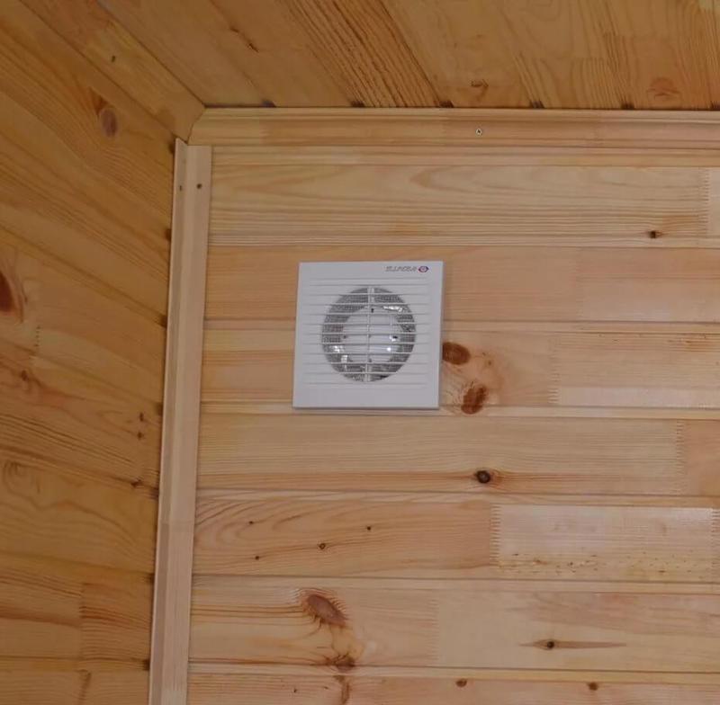 Конденсат на потолке: почему образуется, что делать, и как убрать