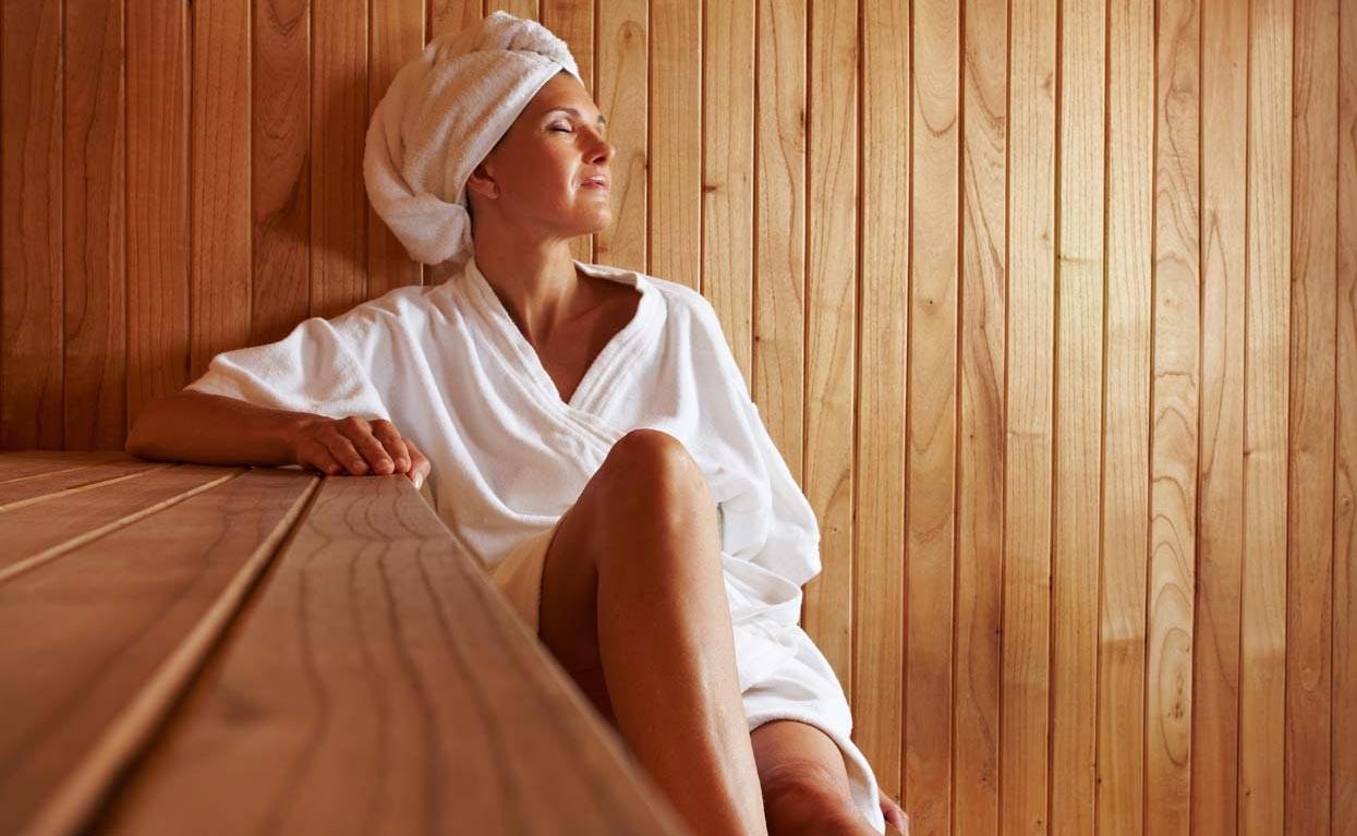 Польза бани: основные плюсы и минусы влияния на организм