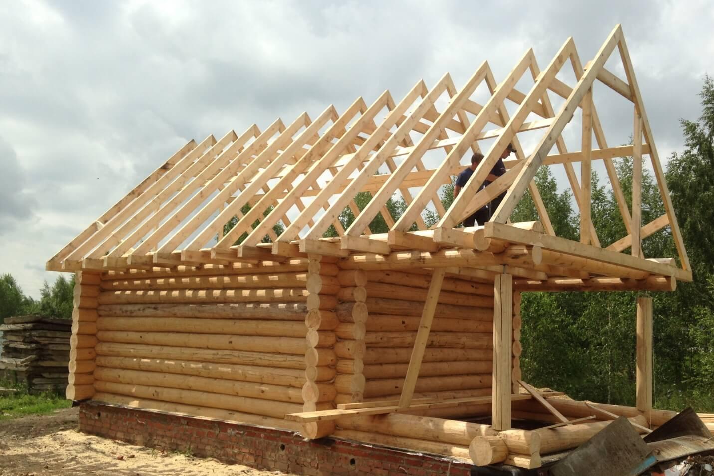 Устройство крыши и кровли бани: односкатная и двускатная, а также совмещения бани с другими постройками под одной крышей