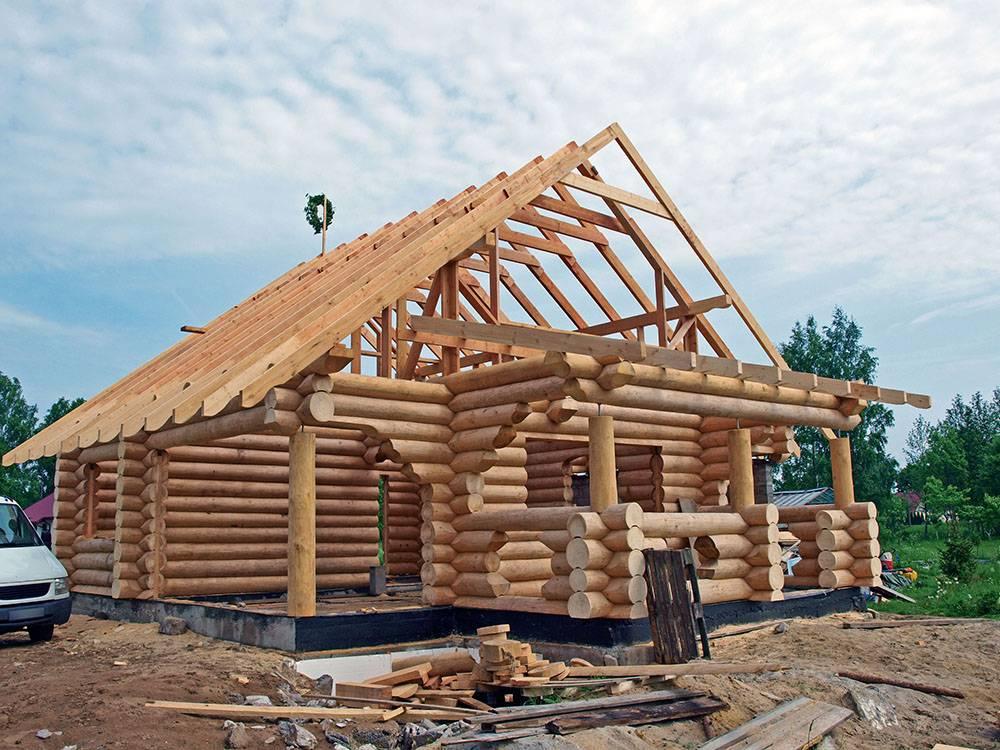 Баня: брус или бревно — что выбрать для строительства