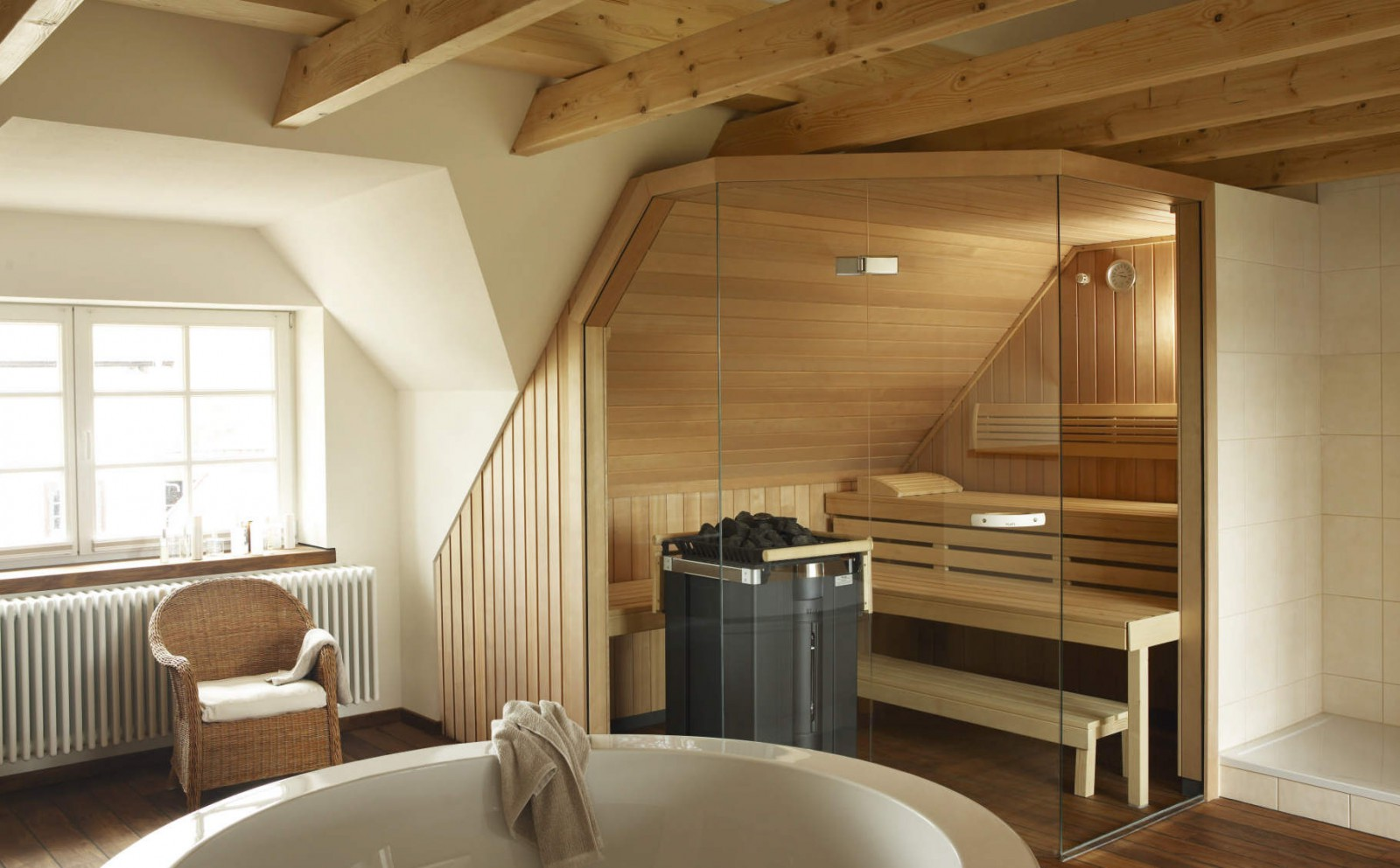 Баня в доме: плюсы, минусы и особенности