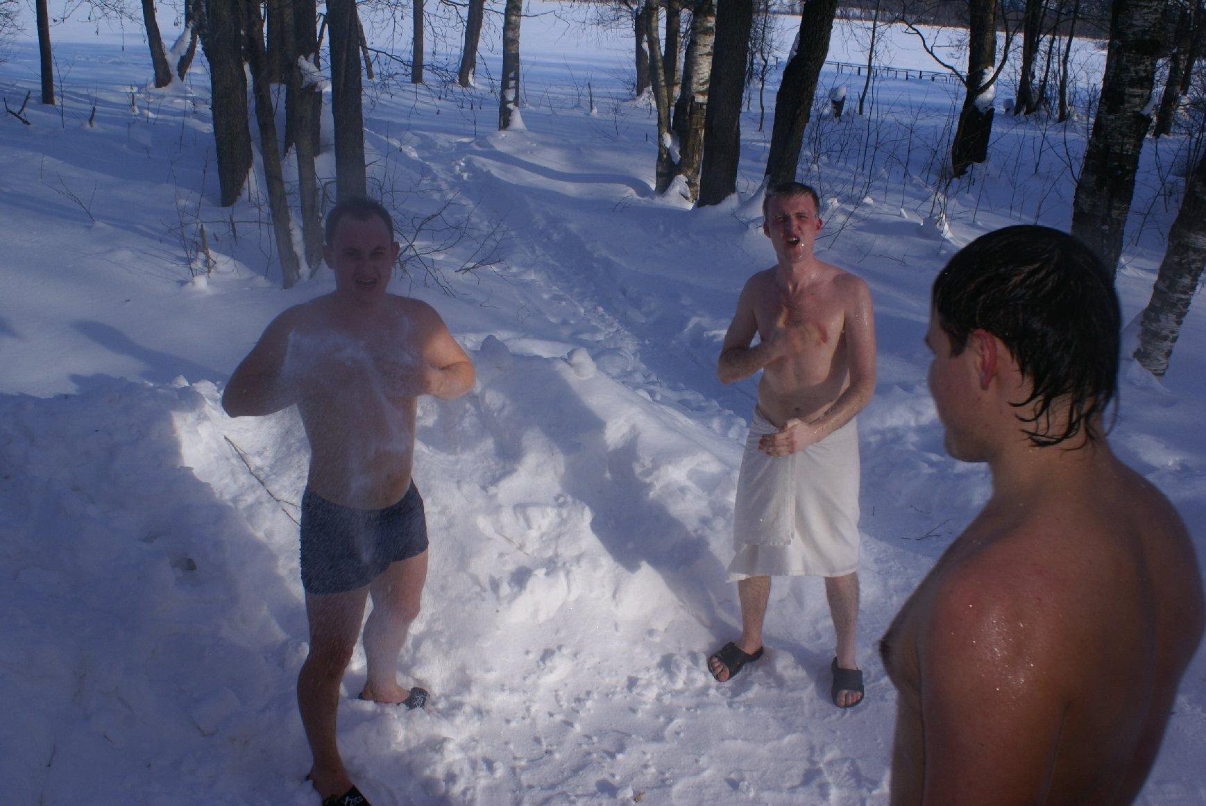 """Баня. """"нырять"""" ли в снег после бани?"""