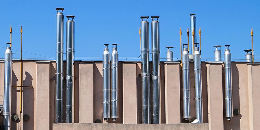 Разновидности и особенности монтажа труб для дымохода