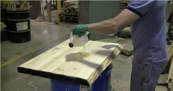 Как и зачем применяется жидкое стекло для бетона в строительстве?