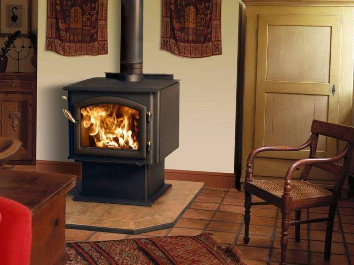Дровяные чугунные печи длительного горения для отопления дачи и дома