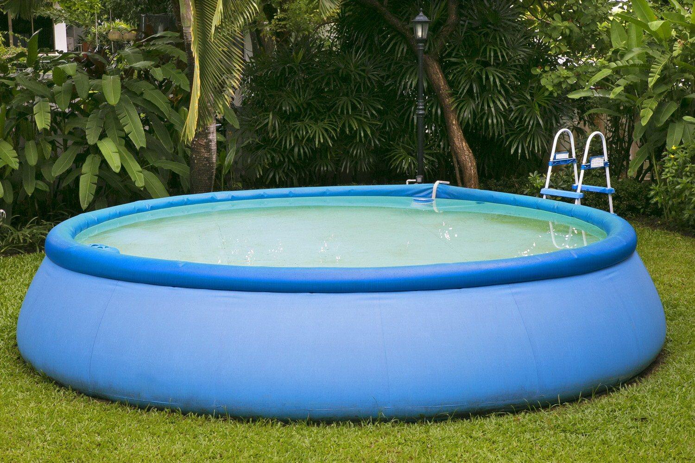 Каркасный или надувной бассейн: какой лучше выбрать?