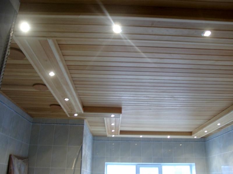 Как подшить потолок разными видами материалов
