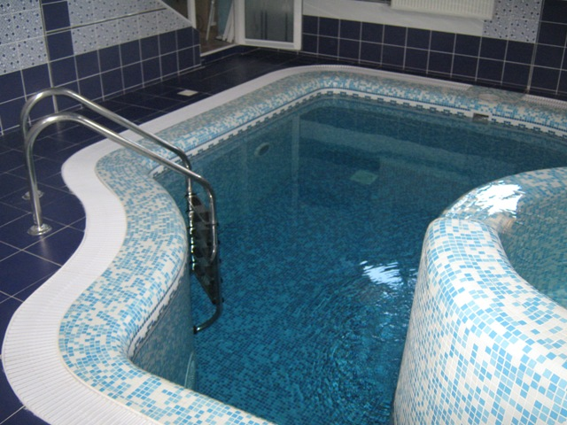 Бассейн в бане: двойное удовольствие