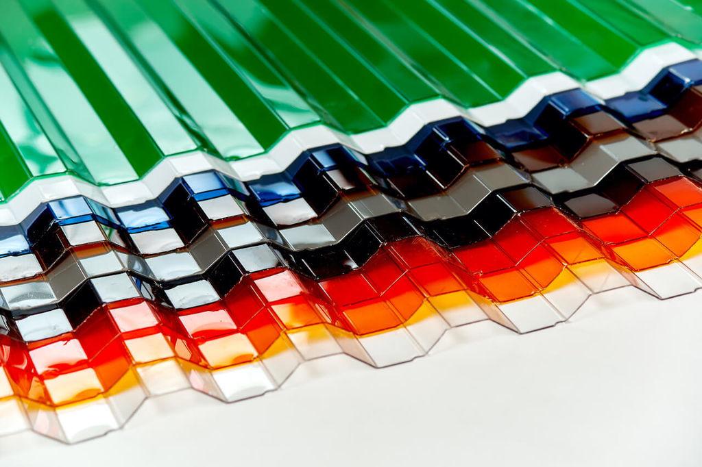 Шифер (65 фото): битый и прозрачный, цветной и пластиковый, что это такое, листовой материал, производство и вес 1 м2 при разборке