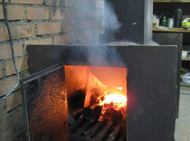 Почему дымит печка: причины дымления, способы устранения, пошаговая инструкция