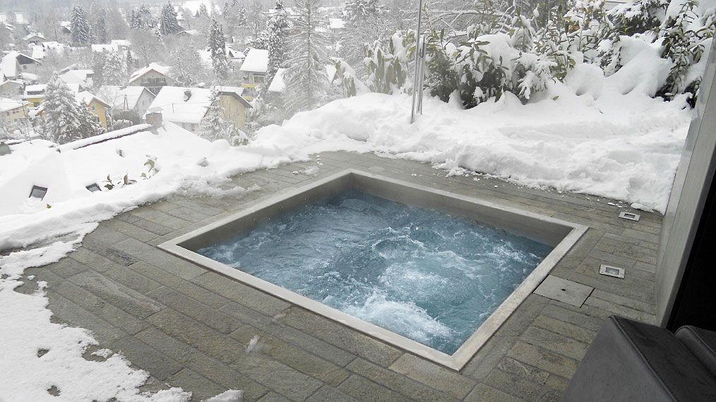 Лучшие бассейны под открытым небом в москве, работающие осенью и зимой: адреса и цены