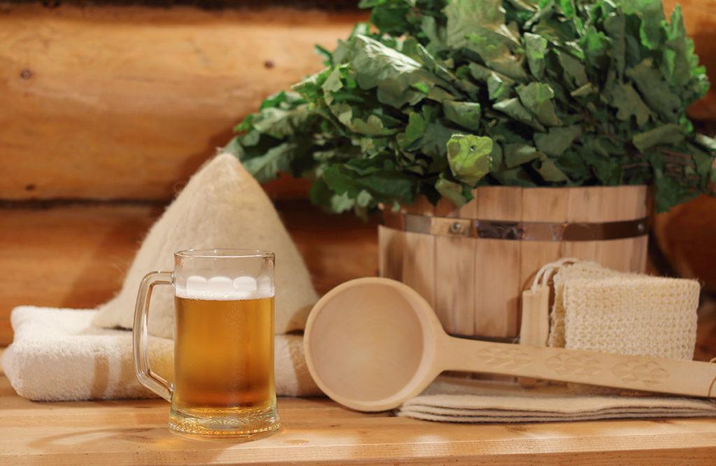 Что пить в бане: польза и вред самых популярных напитков, напитки, запрещенные к употреблению в бане, какой лучше пить чай в бане и что пить до и после банных процедур, видео-обзор.