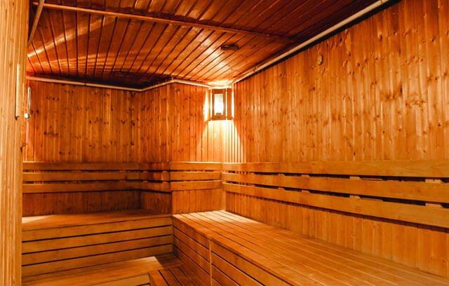 Полезно или вредно посещать баню после тренировки?