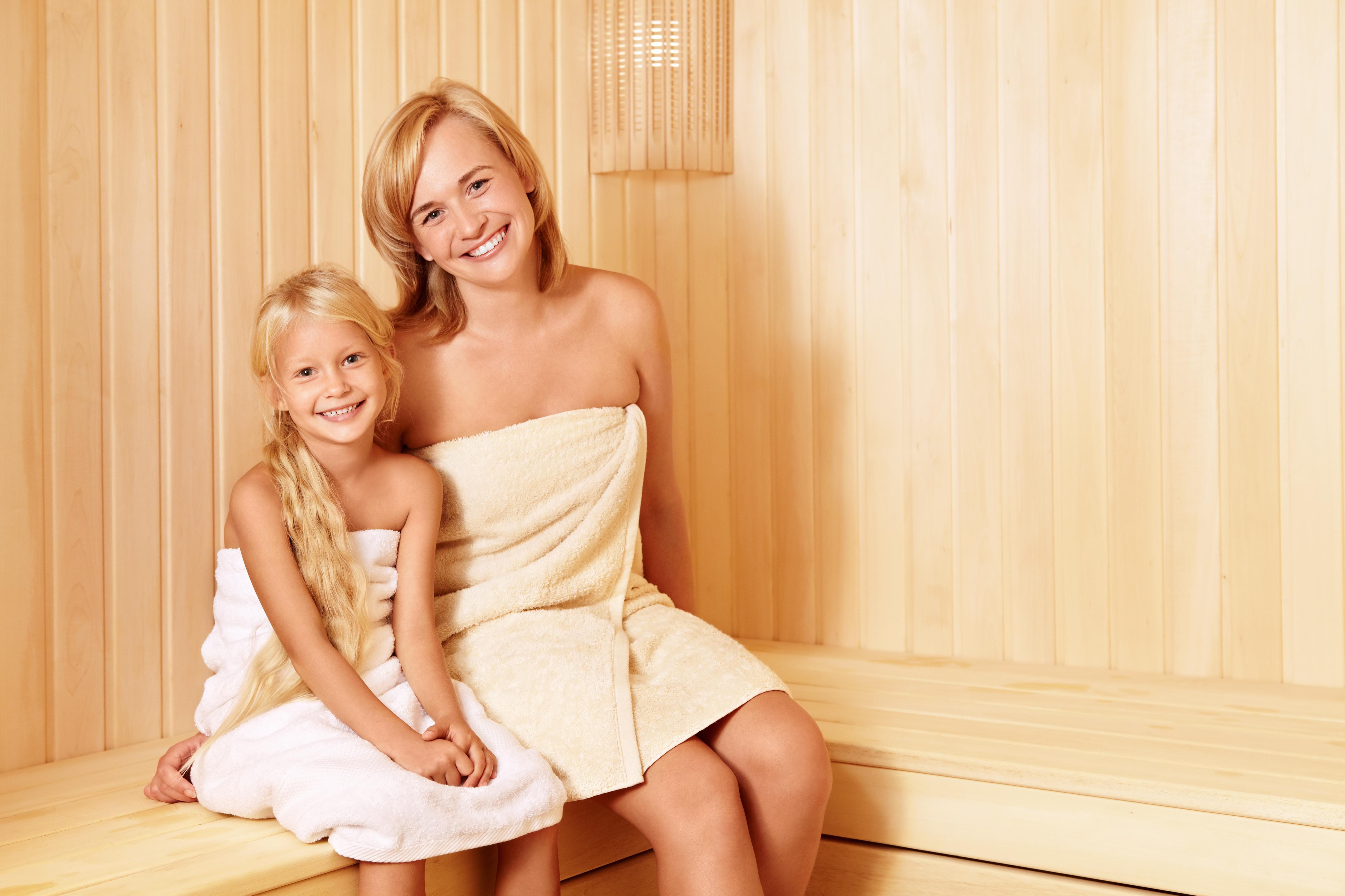 Дети в бане — с какого возраста лучше ходить в парную и можно ли новорожденному посещать сауну
