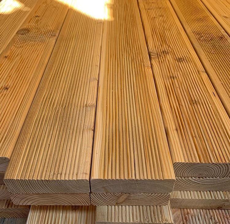 Какой доской стелить пол в бане? - деревянное строительство - плюсы, минусы, подводные камни