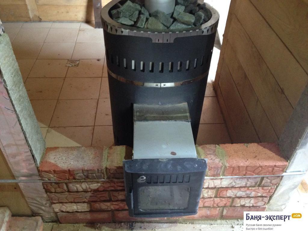 Самостоятельная установка банной печи с выносной топкой