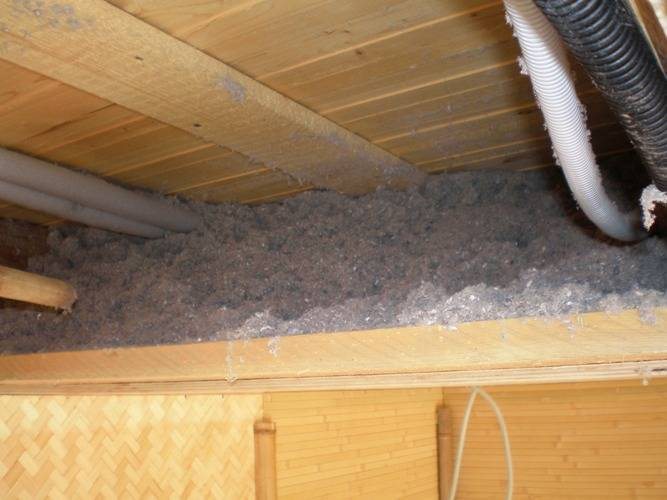 Утепление потолка в доме с холодной крышей: какая теплоизоляция лучше для монтажа на перекрытиях